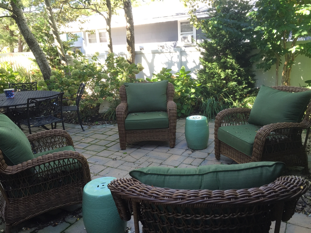 Outdoor Living Design, Outdoor Living Design – Late Summer is the Perfect Time